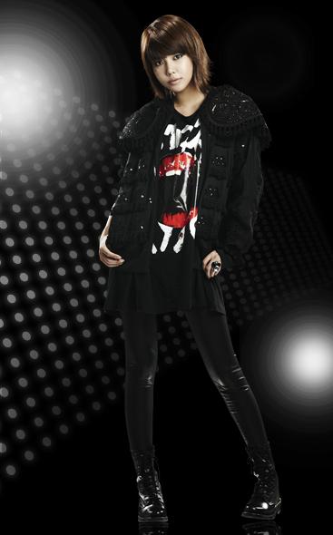 صور للعسولات SNSD في استايل اغنية Run Devil Run Soo-Young-Run-Devil-Run-Official-Photo-girls-generation-snsd-10934570-367-590
