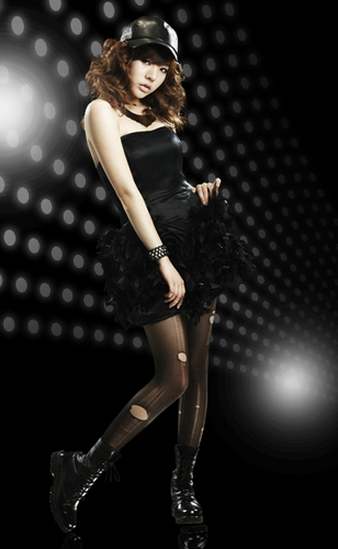 "Sunny ""Run Devil Run"" Official Fotos"