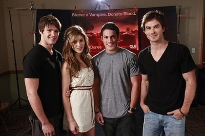 http://images2.fanpop.com/image/photos/10900000/The-Vampire-Diaries-Cast-the-vampire-diaries-tv-show-10993772-400-266.jpg