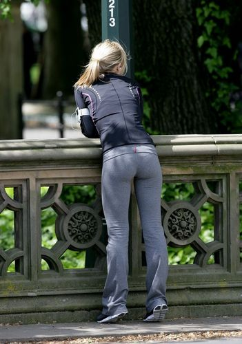 cute cute butt :) - kristen-bell Photo