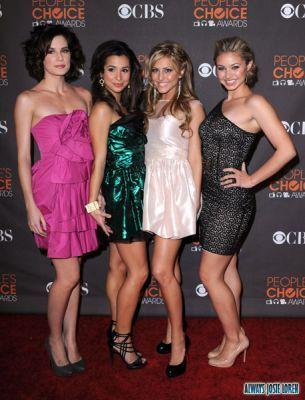 miobi girls at the People Choice's Awards