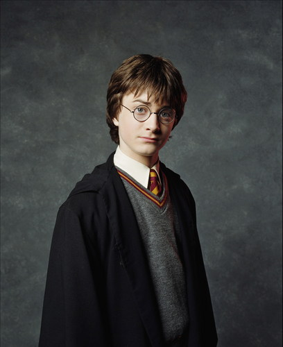 Harry James Potter wallpaper entitled 2001. Harry Potter and the Sorcerer's Stone Promotional Shoot (HQ)