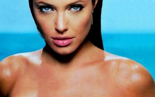 Angelina Jolie wallpaper called Angelina