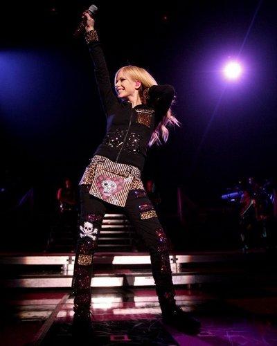 Avril Live <3