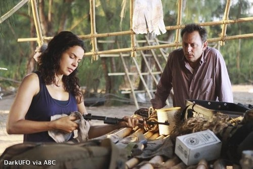 Episode 6.10 - The Package - Promotional foto