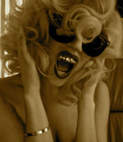 GaGa with grillz