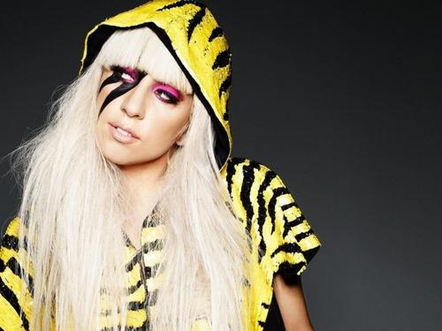 Gaga***
