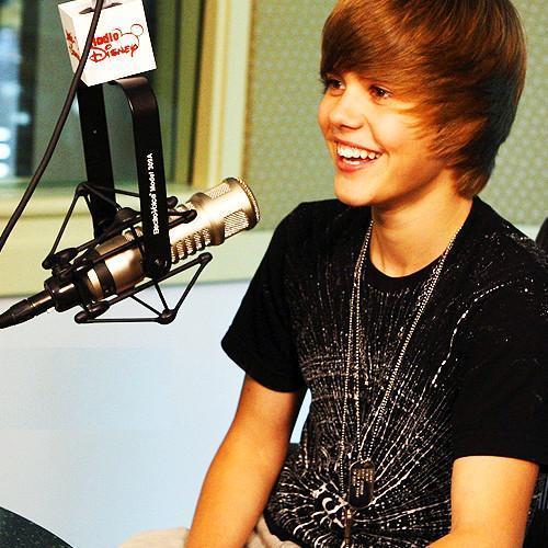 Justin Bieber wallpaper titled J.Bieber perfect smile!(L)