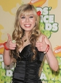 Jennette at the kids choice awards 09