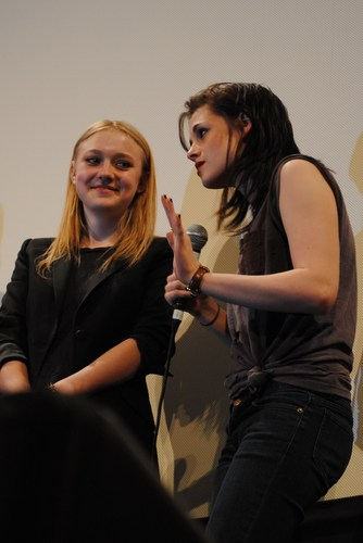 Kristen & Dakota in Austin @ the SXSW Q&A [HQ]