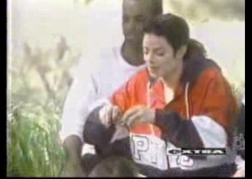 MJ backstage ছবি