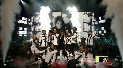MTV 2009-Janet's tribute to Michael