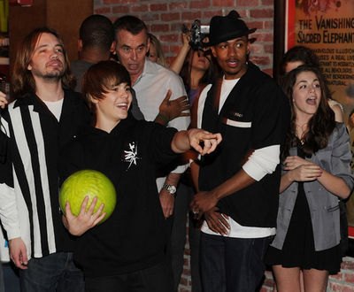 March 23rd - 92.3 NOW's ''Bowling With Bieber'' Record Release Party