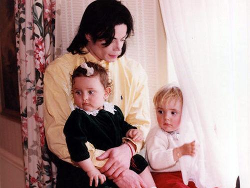 Paris and Michael Jackson kertas dinding titled Paris and Michael