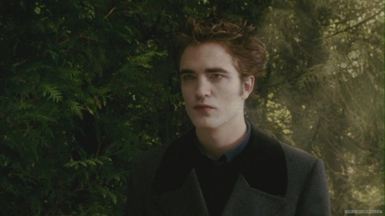 Screencaps of Robert Pattinson From the 'New Moon' DVD (Blu Ray) Extras!