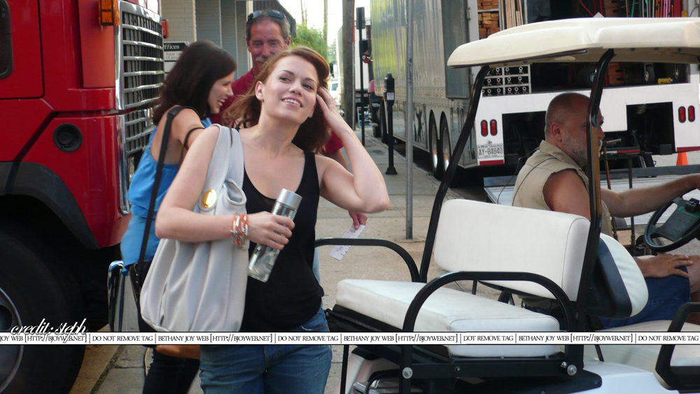 Sophia Bush Behind The Scenes