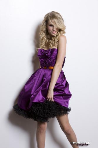 Taylor Swift 。◕‿◕。