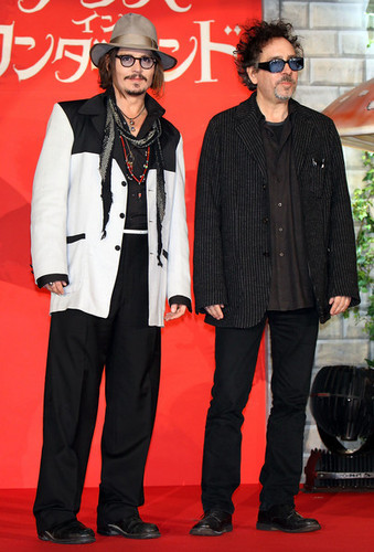 Tim 伯顿 & Johnny Depp @ the Japanese Premiere of Tim Burton's 'Alice In Wonderland'