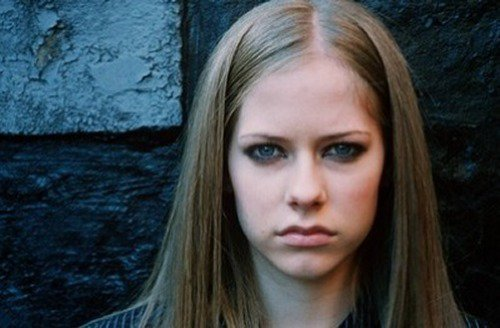 Avril Lavigne پیپر وال titled avril :)