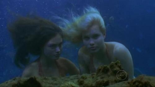 cleo & emma underwater