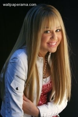 Disney Channel Star Singers wallpaper entitled hannah miley rocks!!
