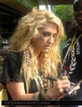 Ke$sha at Sydney Wildlife World at Darling Harbour in Australia - March 22