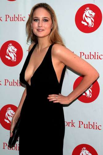 Leelee Sobieski wallpaper called on the red carpet