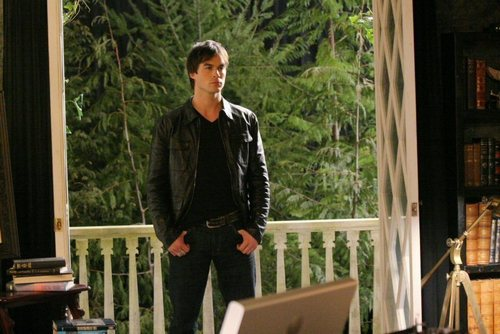 el diario de los vampiros fondo de pantalla entitled 1x01 - Pilot - New Promo foto