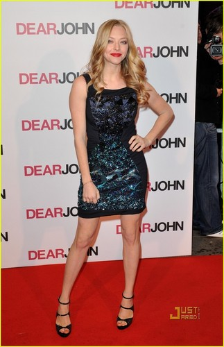 Amanda @ London premiere of Dear John