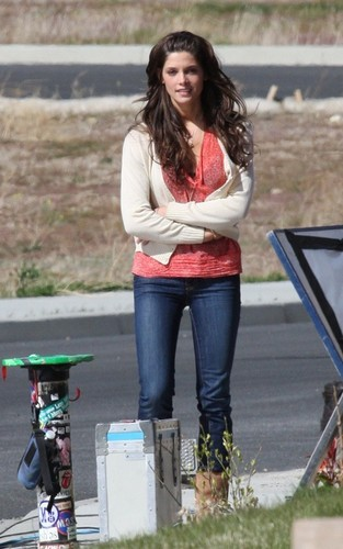 "Ashley on Set of ""The Apparition"""