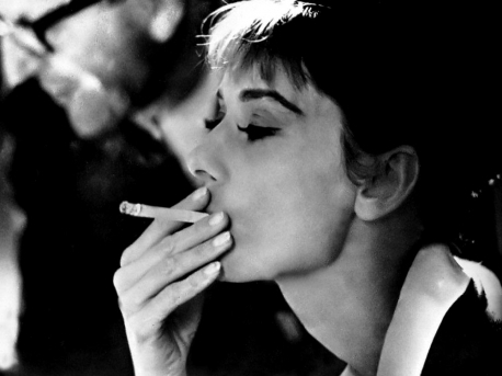 Audrey smoking - audrey-hepburn Photo