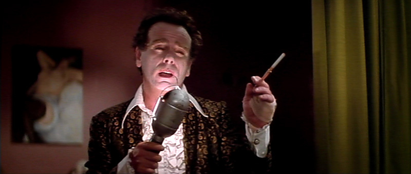 an analysis of blue velvet a film by david lynch Free essay: blue velvet: scene analysis the opening scene in david lynch's blue velvet portrays the theme of the entire film during this sequence he uses a.