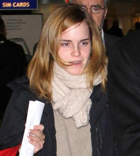 Emma Watson Gets Back to the UK