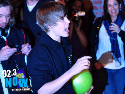 Events > 2010 > March 23rd - 92.3 NOW's  ''Bowling With  Bieber'' Record Release Party - justin-bieber photo