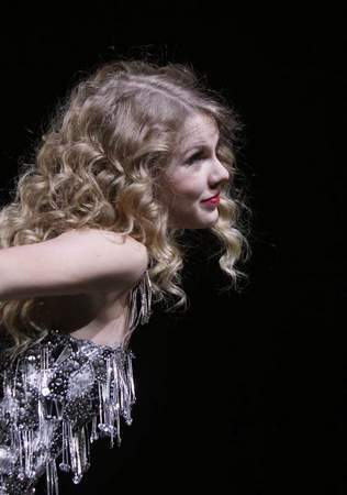 Fearless Tour 2010 Detroit Mi Taylor Cepat Swift Foto 11122186 Fanpop