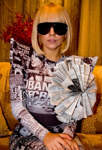 Lady GaGa GaGa-lady-gaga-11104860-342-500