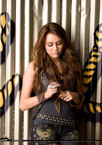 Hannah & Miley