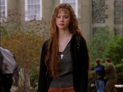 Thora Birch as Liz Murray