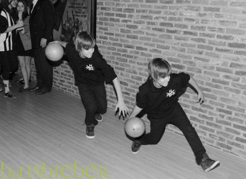 J.Bieber bowling