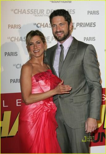 Jennifer & Gerard @ Paris premiere of The Bounty Hunter