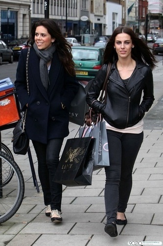 Jessica Lowndes Обои called Jessica shops for clothes at Lipsy with a friend