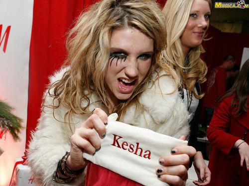 KESHA!!!!!!!!!!