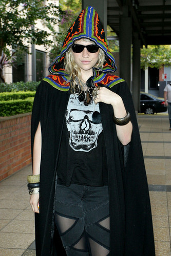 Ke$ha At Nova Radio Studio!