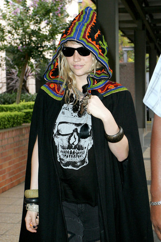 Ke$sha At Nova Radio Studio!