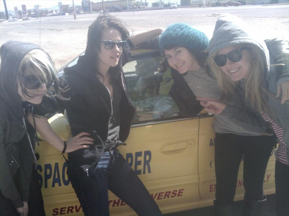 Kristen on her way back to LA