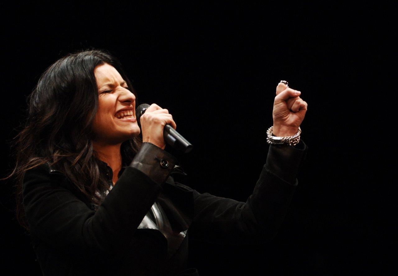 Photo Laura Pausini Wallpapers with a celebrity Laura Pausini