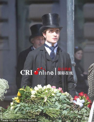 foto Of Robert Pattinson On The Set Of 'Bel Ami'