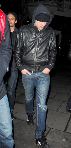 Rob Pattinson Out in London [03.26]
