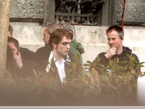 Rob on set of Bel Ami