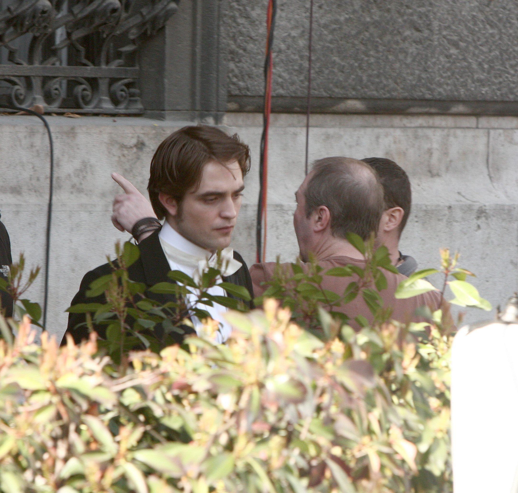 Robert on the set of Bel Ami